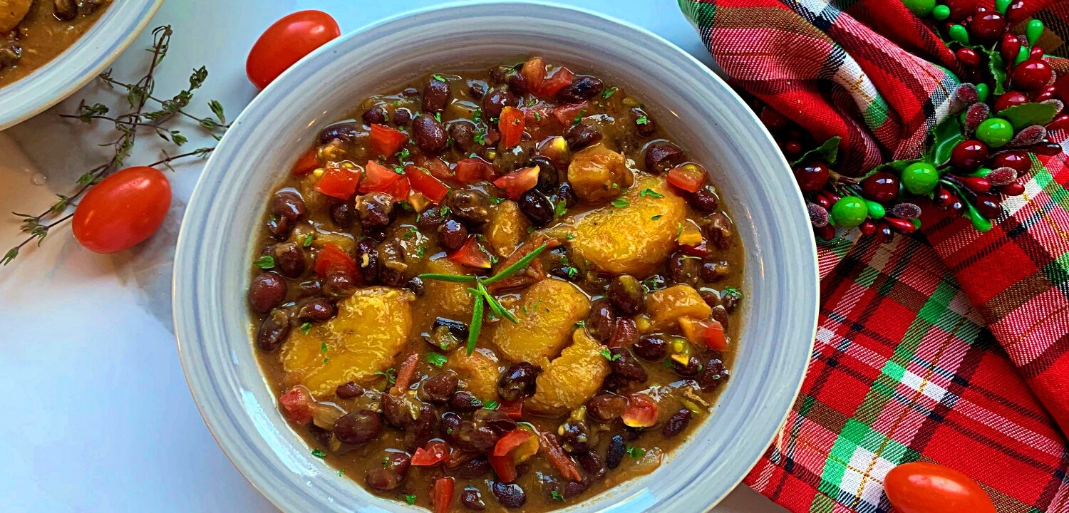 Plantains and black beans stew final dish